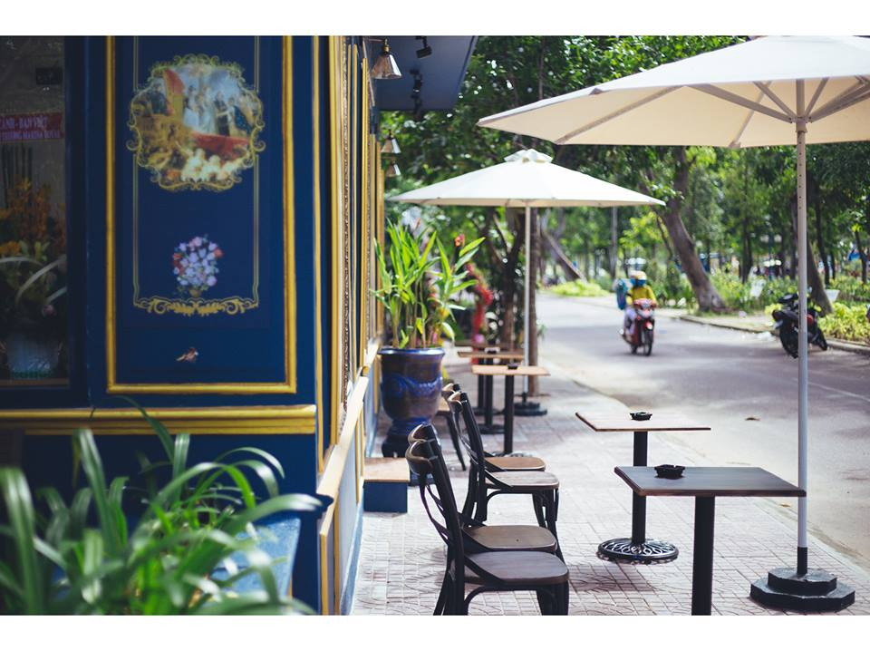 Exterior design of Marina Royal Coffee shop in Quy Nhon, Vietnam